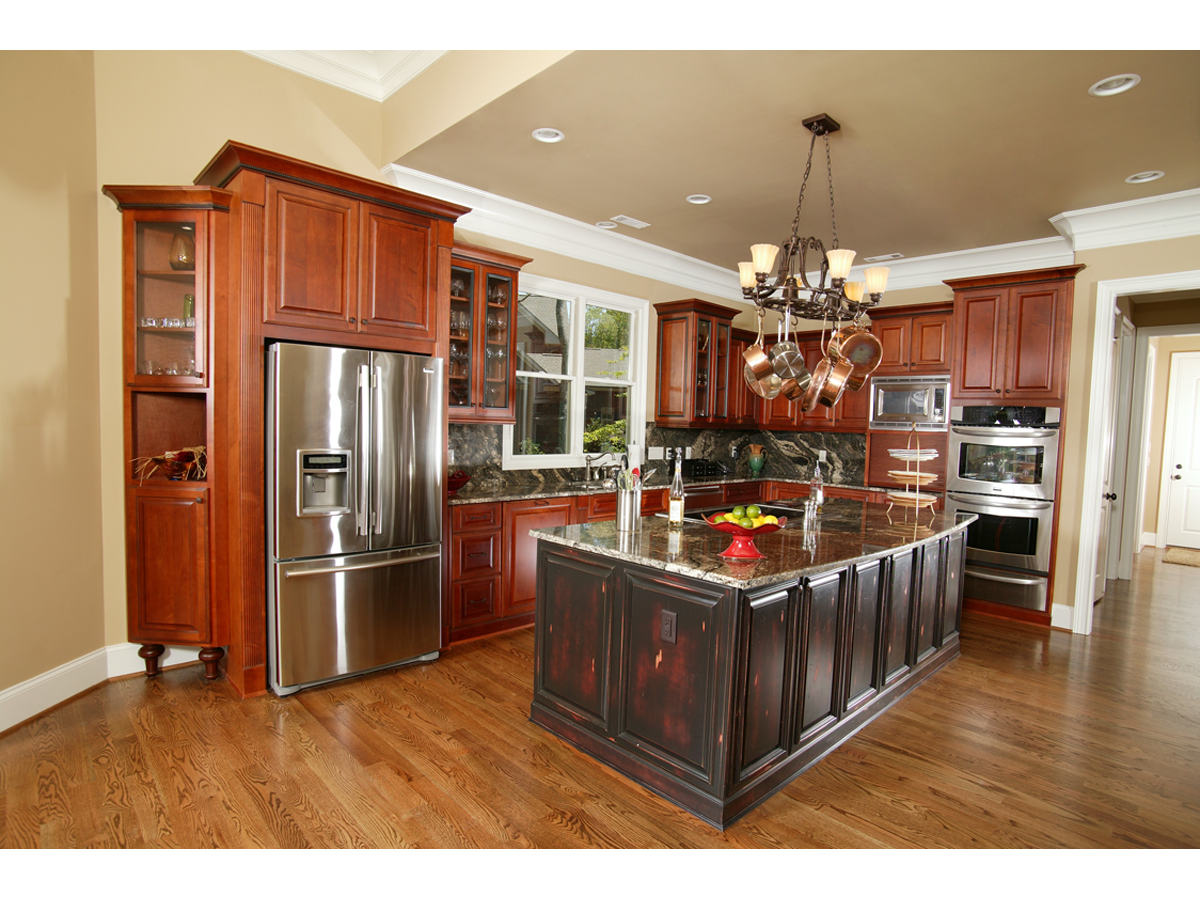 Kitchen cabinets gallery of pictures luxury kitchen for Kitchen ideas near me