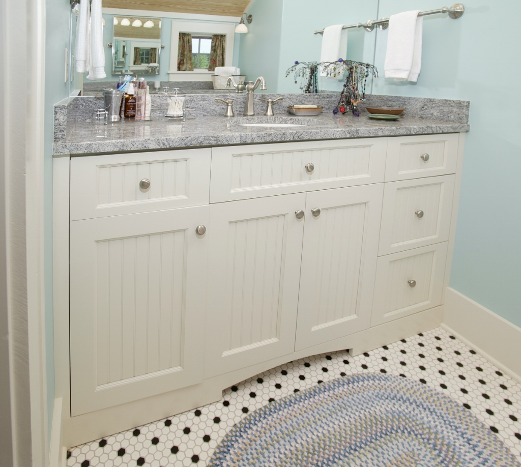 Simple white shaker vanity | Custom Wooden Cabinets and Furniture