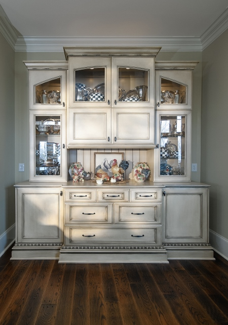 hutch arched panel detail step out