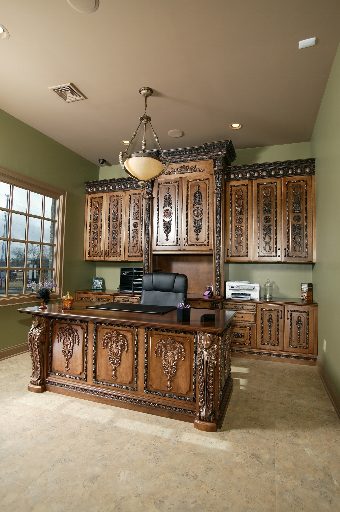 Attrayant Office Decorative Moldings Desk